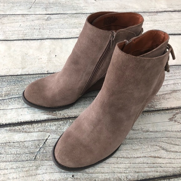 b13bccf3ff56 Lucky Brand Shoes - Lucky Brand Yamina leather booties ankle 8.5